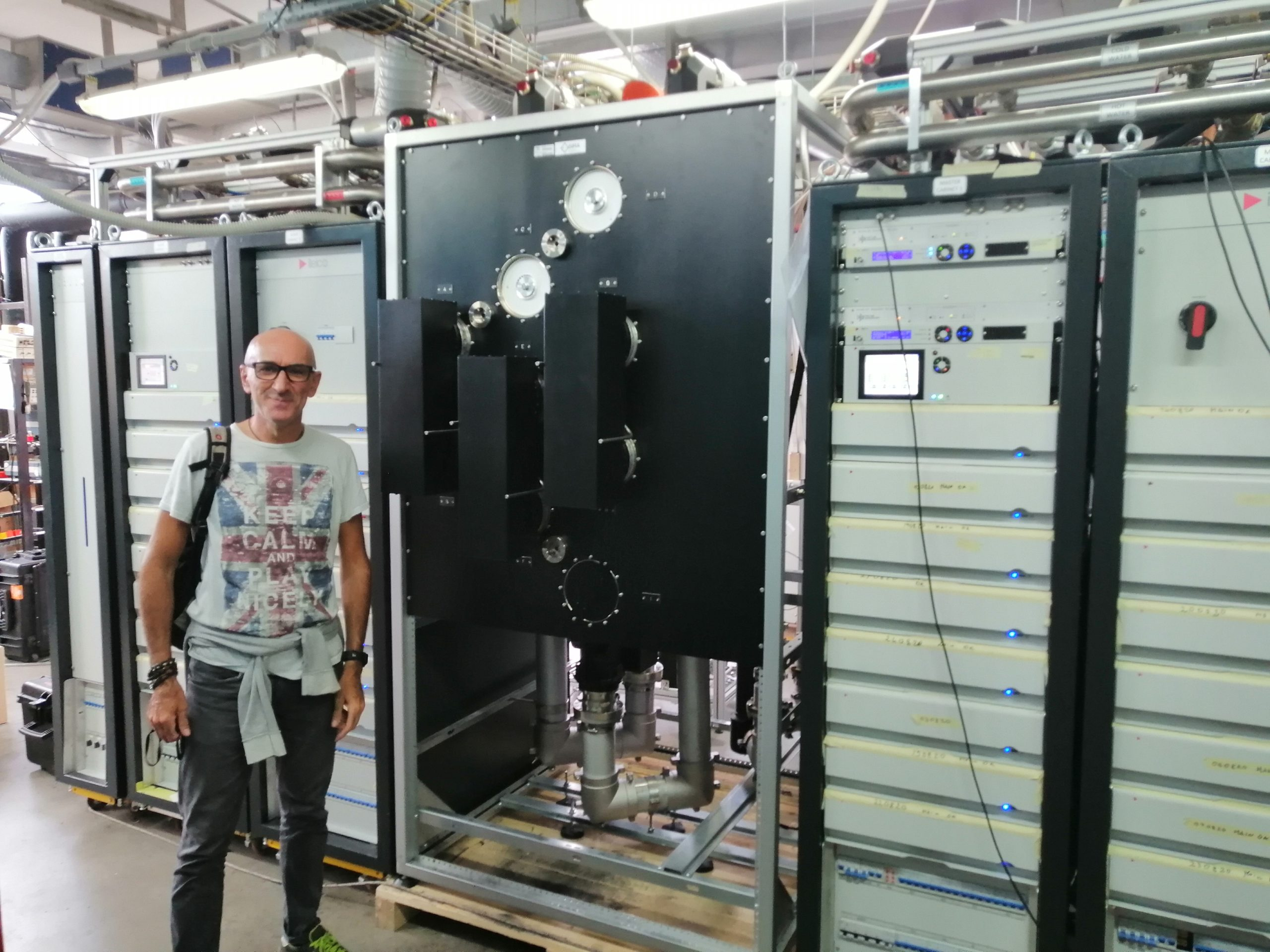 New UHF Parallel combiner system at Jakarta station, Indonesia
